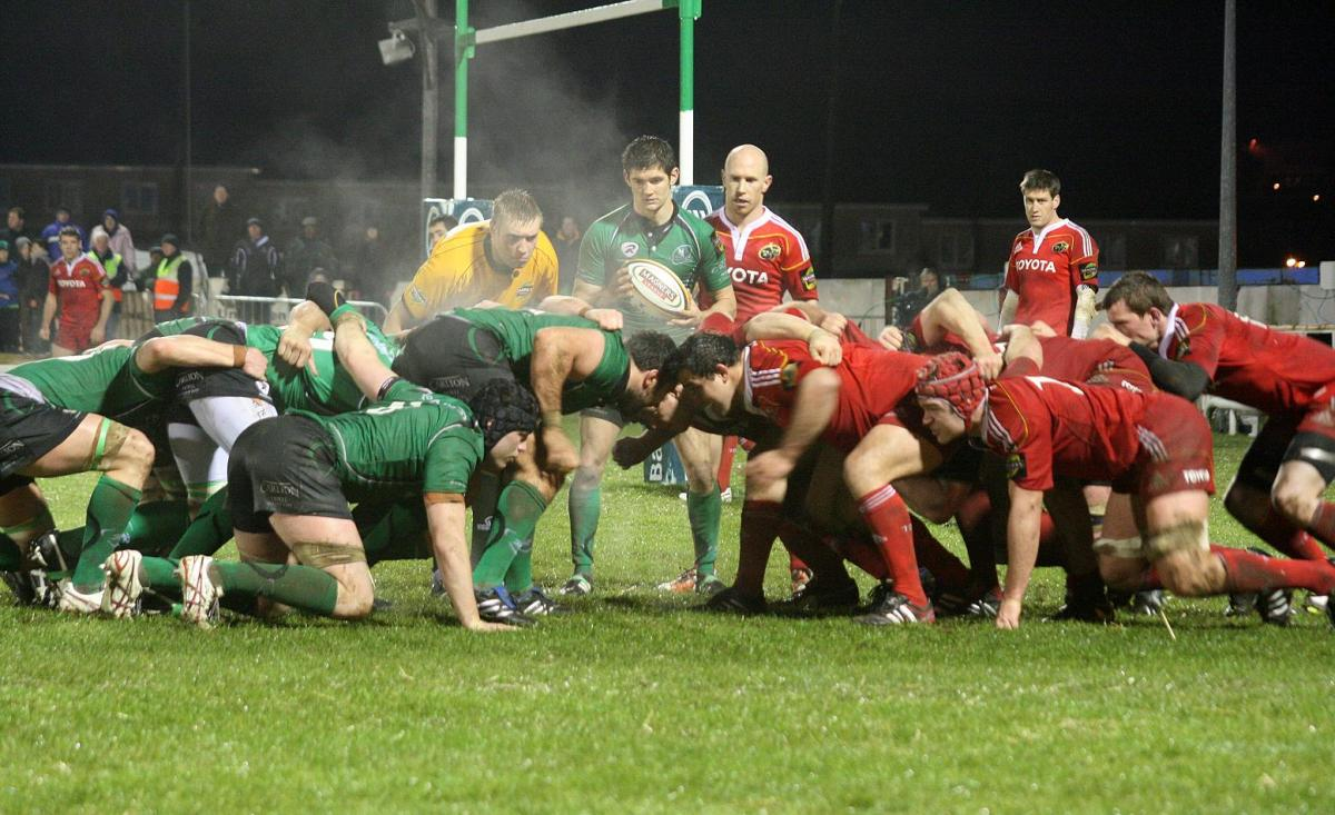 Connacht_v_Munster_27-12-2010_-_Scrum