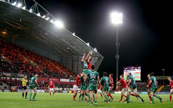 Eoghan Masterson contests a lineout with Donnacha Ryan
